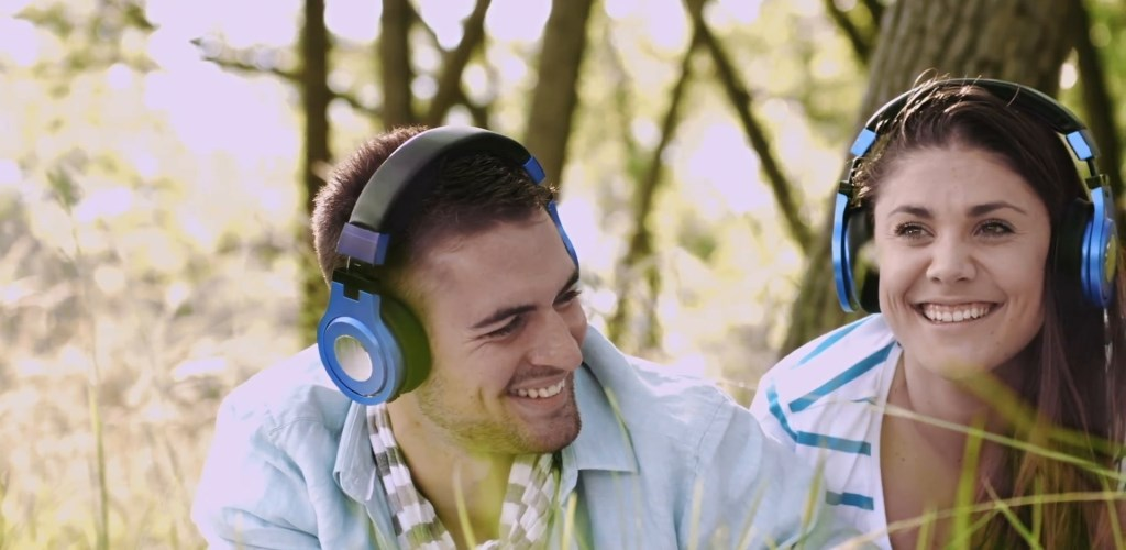 Bikin Pasangan Kamu Senyum Setiap Hari