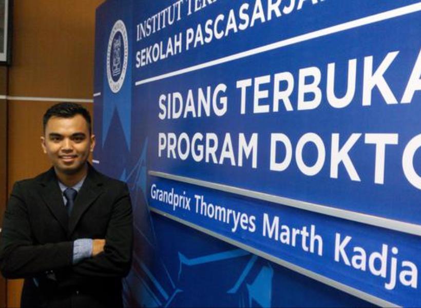 Peraih Gelar Doktor Termuda di Indonesia