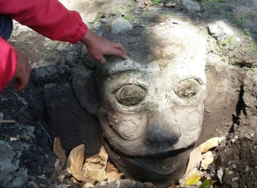 Penemuan Patung Mirip Badut Film It di Klaten Bikin Heboh