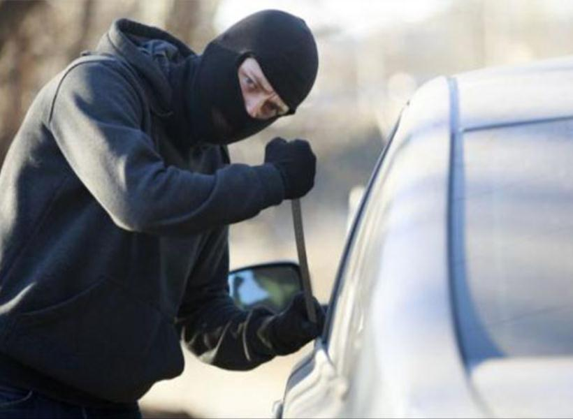 Tips Hadapi Aksi Pencurian Spion Mobil