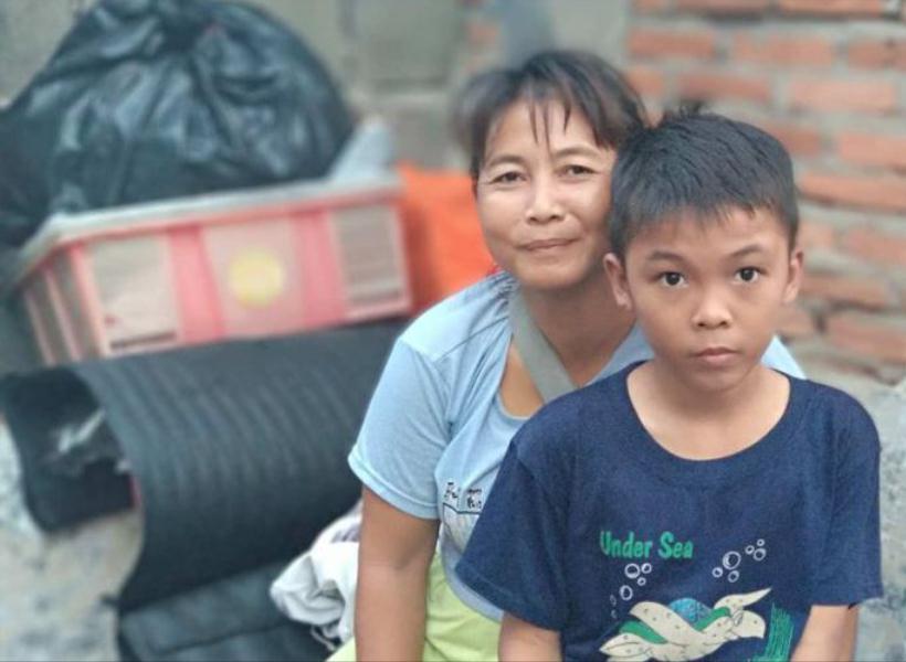 Emak Pedagang Kopi Tak Menyangka Anaknya Terbang ke Kanada