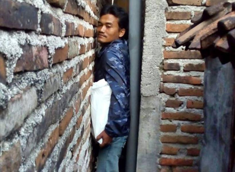 Penderitaan Nenek Tunanetra Hidup di Gang Super Sempit