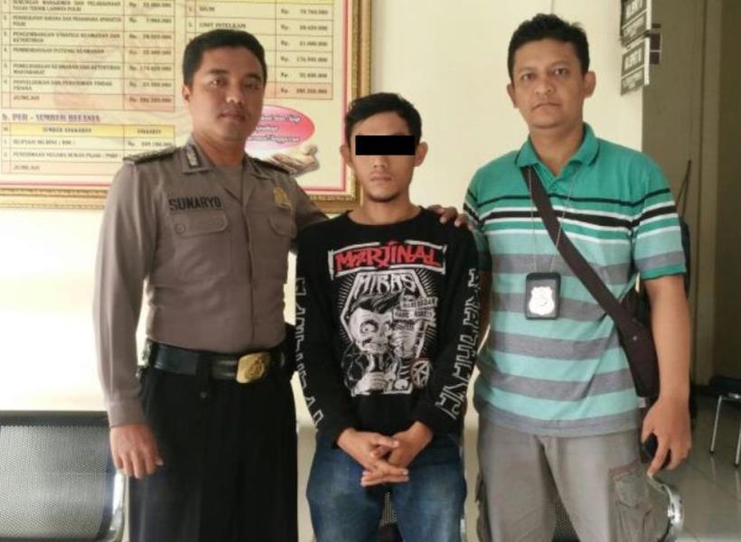 Tangis Ayah Pecah Usai Jebloskan Anak Durhaka ke Penjara