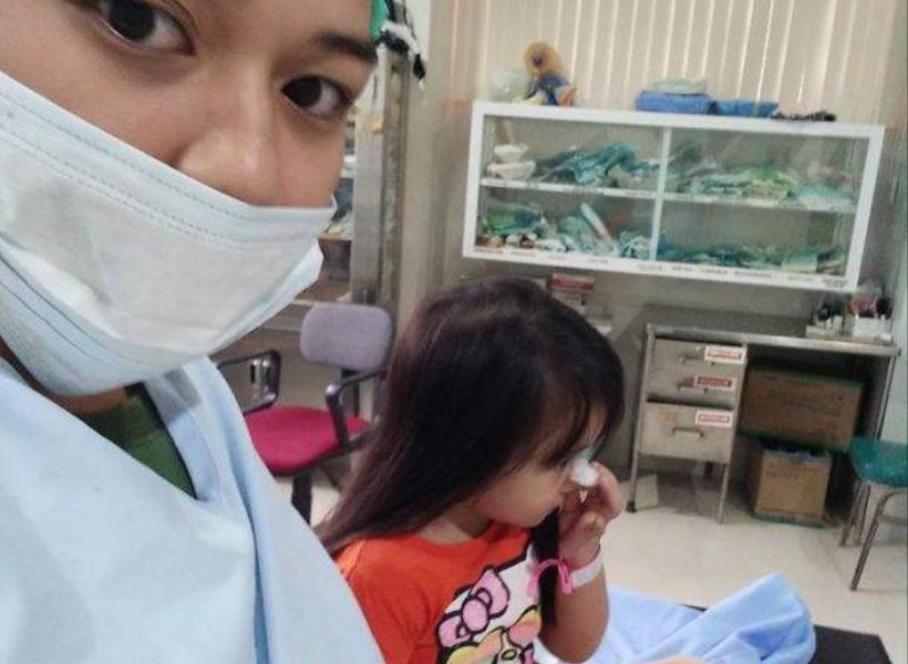 Ibu Terkejut Lihat Benda Asing Nyangkut di Hidung Putrinya