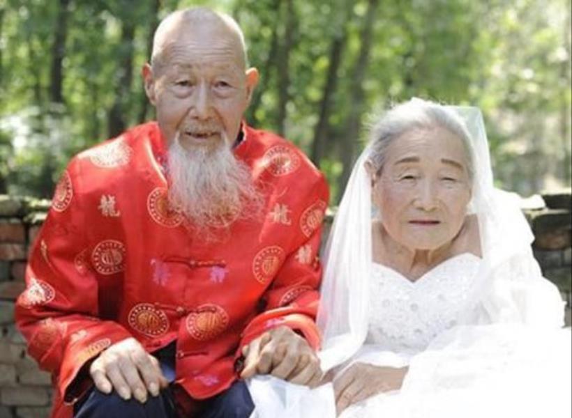 Baru Foto Pernikahan Setelah 80 Tahun Menikah