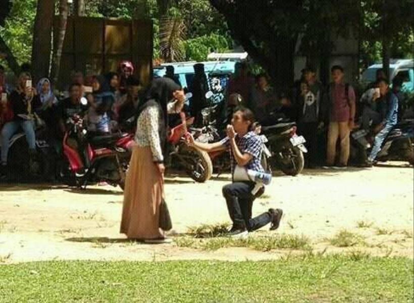 Mahasiswa Dibully Setelah Nyatakan Cinta Pakai Speaker
