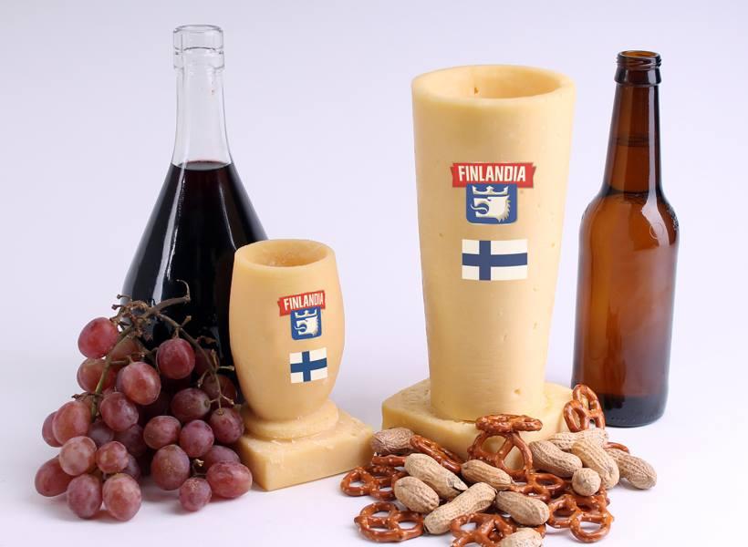 Gelas dari Keju Untuk Minum Wine