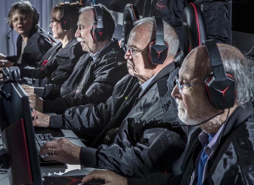 Tim Counter Strike Beranggotakan Lansia