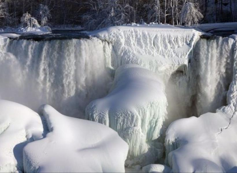 Indah Namun Mengerikan, Air Terjun Niagara Membeku