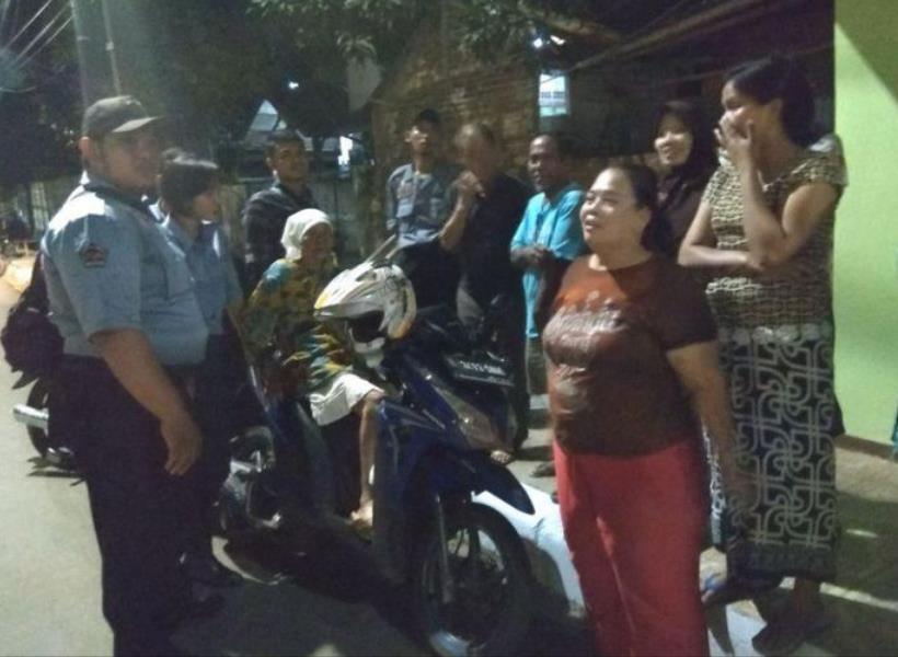 Cari Anak ke Jakarta, Nenek Terlantar di Manggarai
