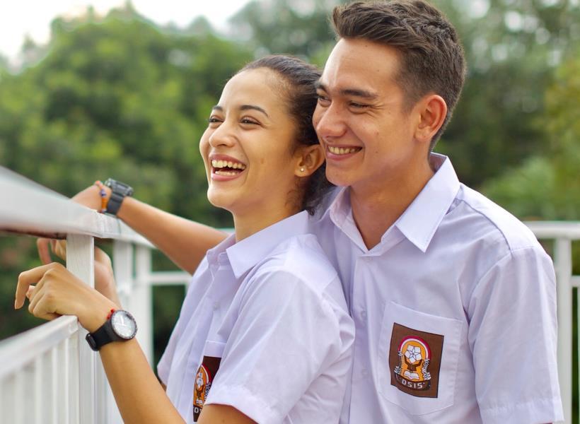 Jalinan Kasih Dimulai Sejak SMA Justru Bikin Langgeng