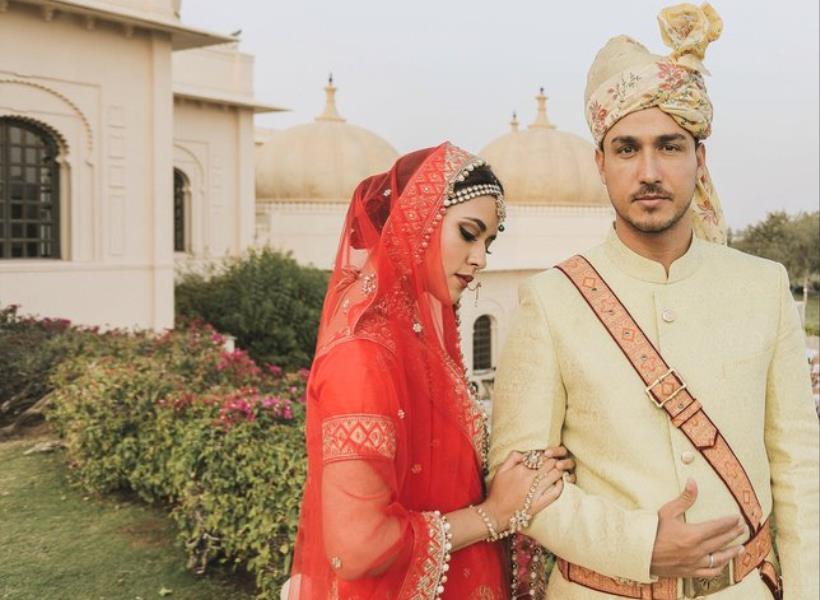 Kenakan Baju Tradisional India, Raisa dan Hamish Daud Bak Bangsawan