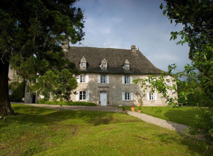 Istana Kuno Perancis Dijual Cuma Rp 182.000