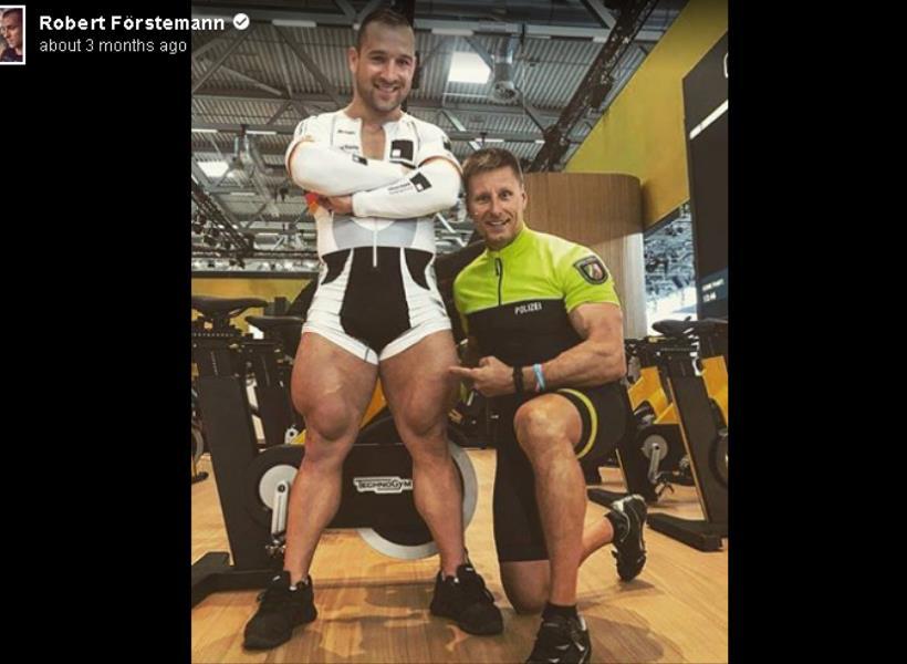 Astaga, Besarnya Paha Atlet Pesepeda Ini