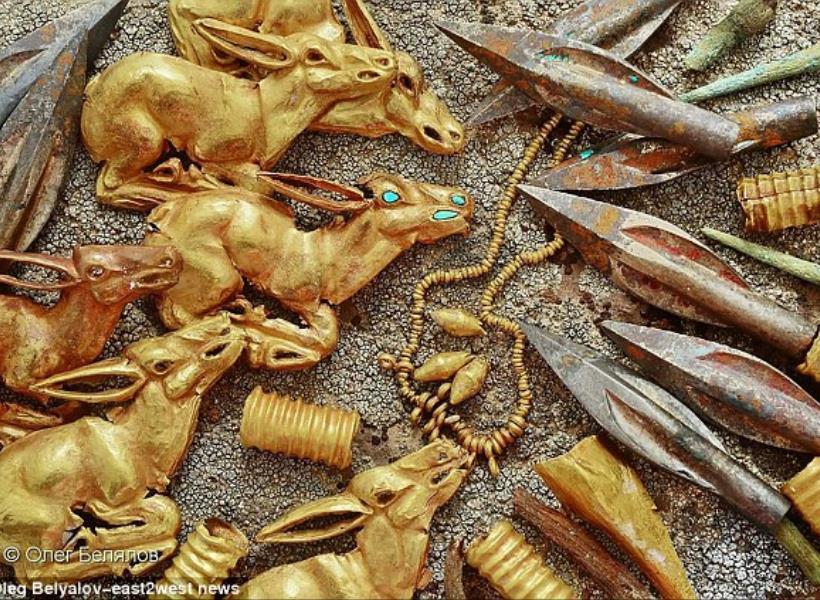 Penemuan Setumpuk Perhiasan Kuno Berusia 2.800 Tahun