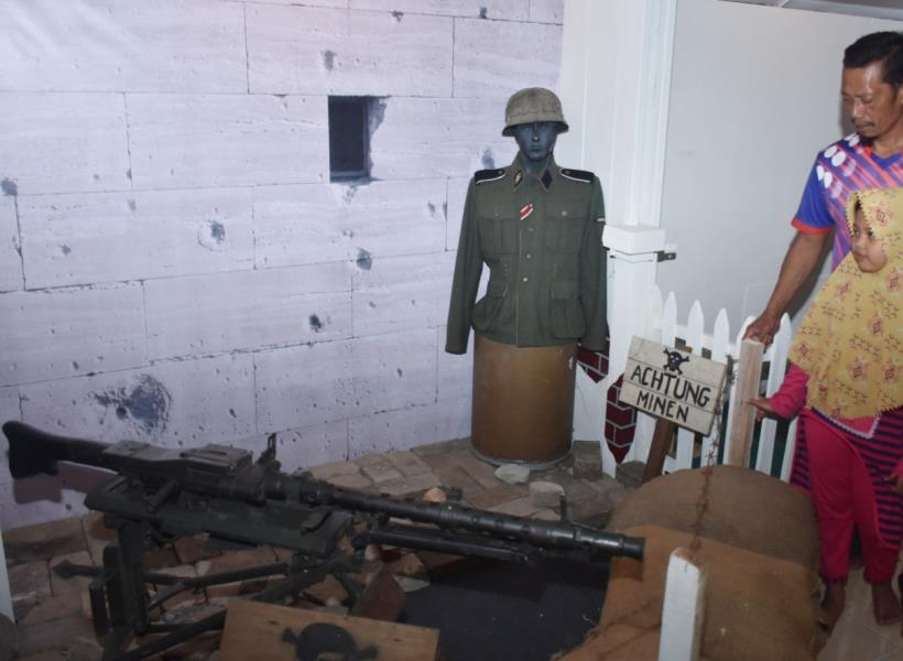 Melihat Perjuangan Indonesia di Museum Reenactor Malang