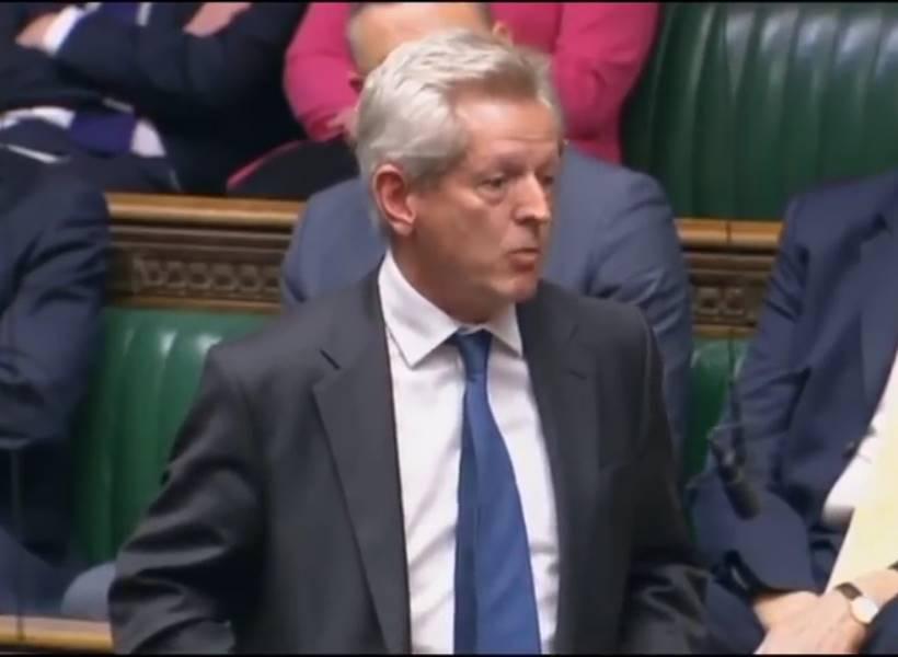 Anggota Parlemen Inggris Berbahasa Indonesia Saat Sidang