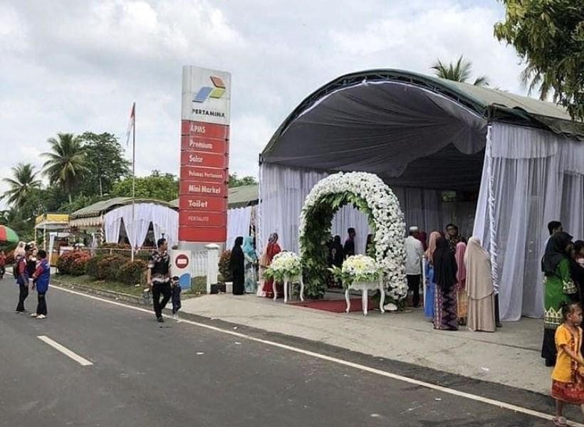 Heboh, Gelar Resepsi Pernikahan di SPBU