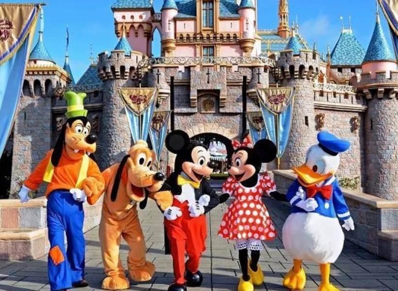 Banyak Pengunjung Sebar Abu Jenazah di Disneyland