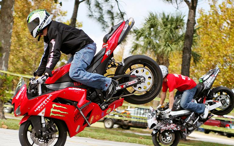 Aksi Freestyle Motor Keren
