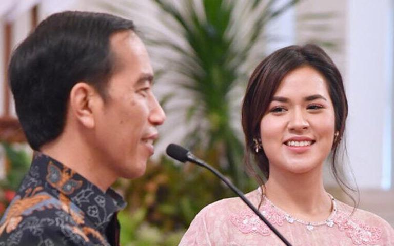 Raisa Andriana Dapat Sepeda Dari Presiden Jokowi