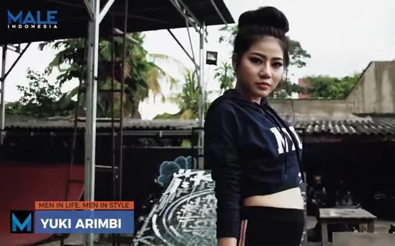 Rambut Panjang Indah dan Skateboarding YUKI ARIMBI - Male Indonesia