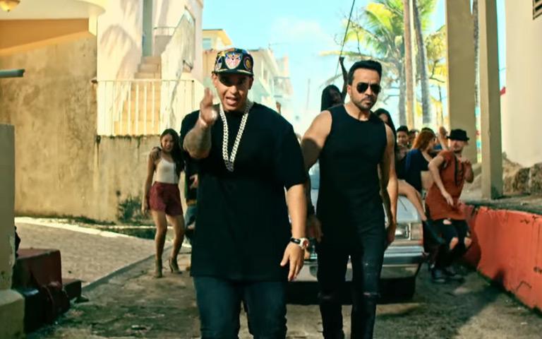 Despacito (Official Music Video)