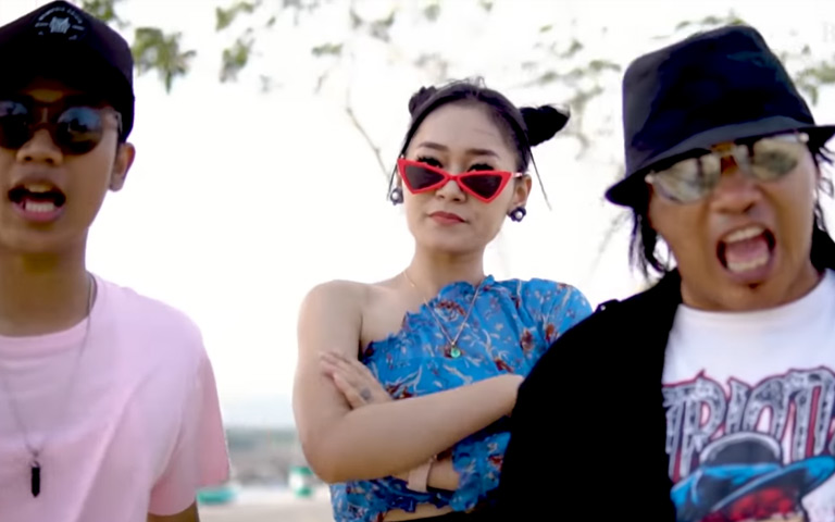 Goyang Dayung (Official Music Video)