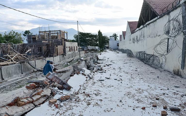 Detik - detik Tanah Terbelah saat Gempa di Palu