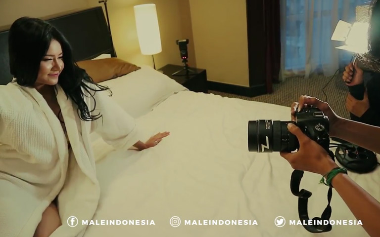 Gaya Memikat SILSILIA COYNE di Behind The Scenes Photoshoot